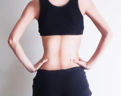 背中の痛みはなぜ起こるの?イメージ